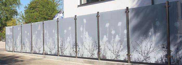 Glaswindschutz als Zaun